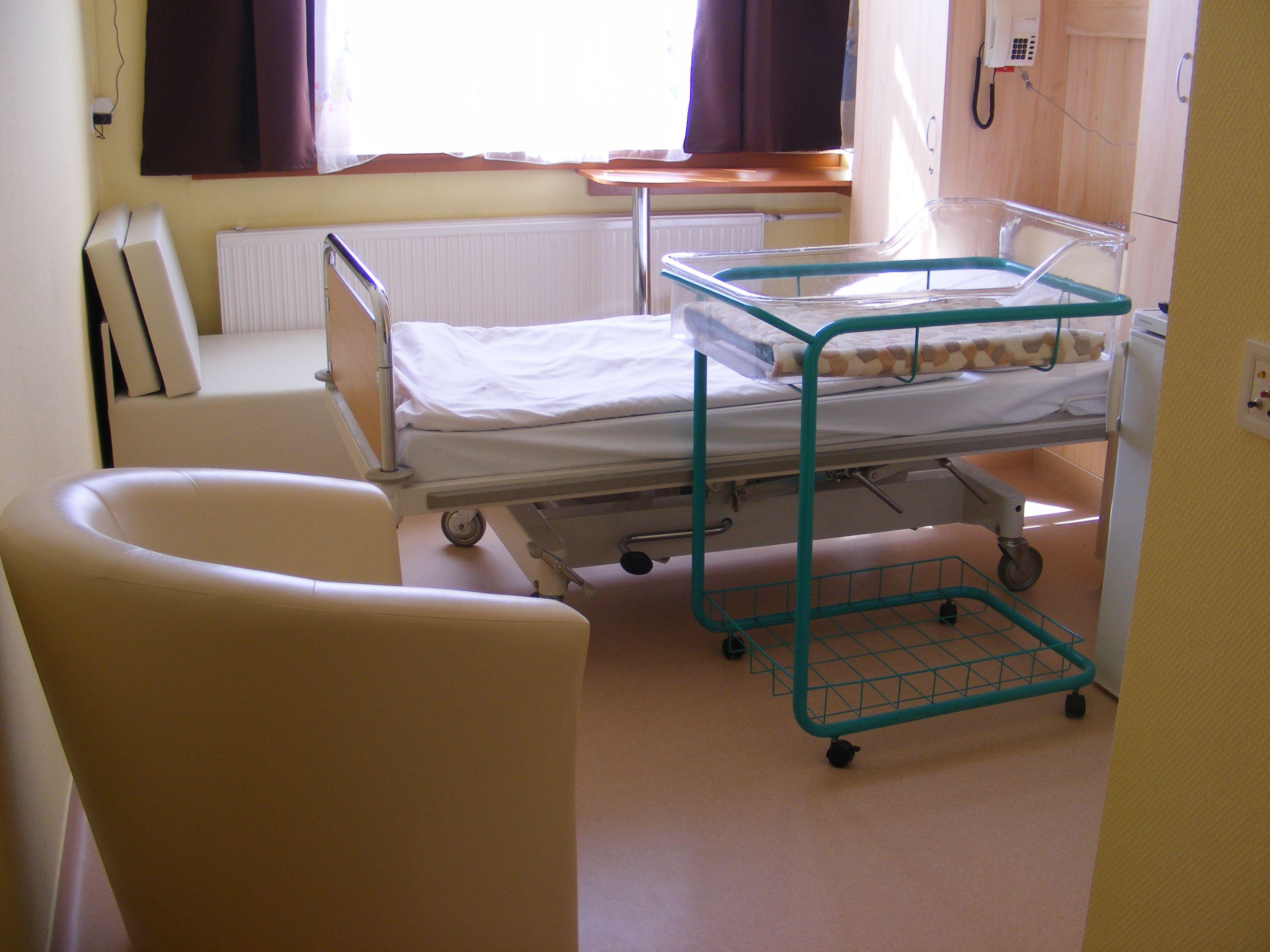 Újabb kórtermeket fogadtak örökbe a Markhot Ferenc Kórházban